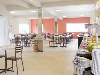 Restaurante para até 300 pessoas